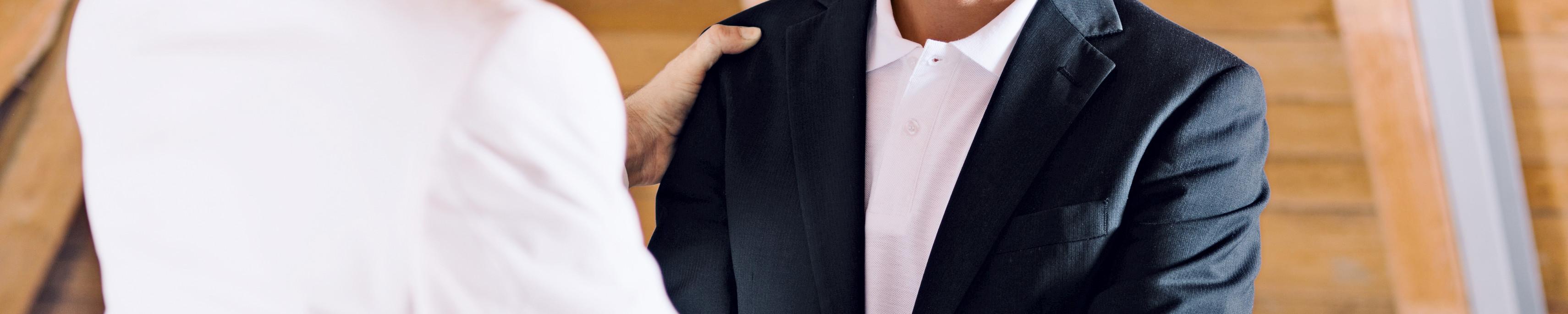 Geschäftspartner mit Handschlag